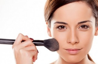 How to make your face look slimmer? Make-up ticks.