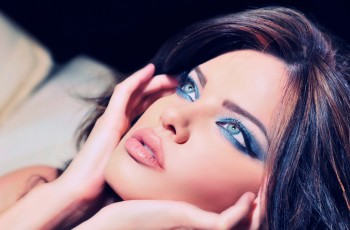 Make-up for blue eyes step by step