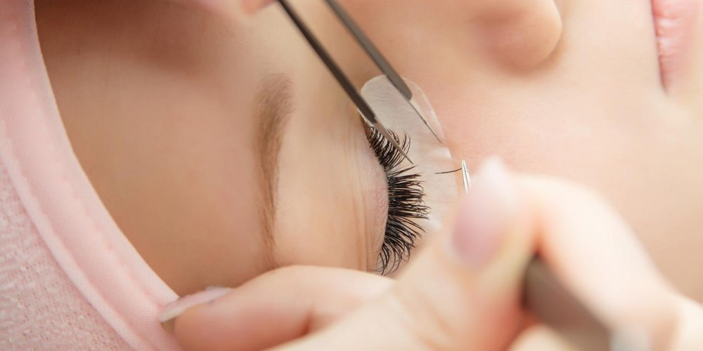 Eyelash extensions. Are they worth it?